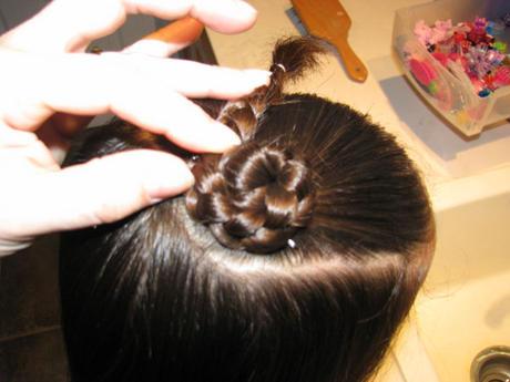 Розочка из волос