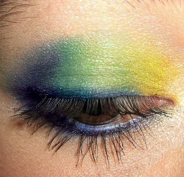 Цветной макияж