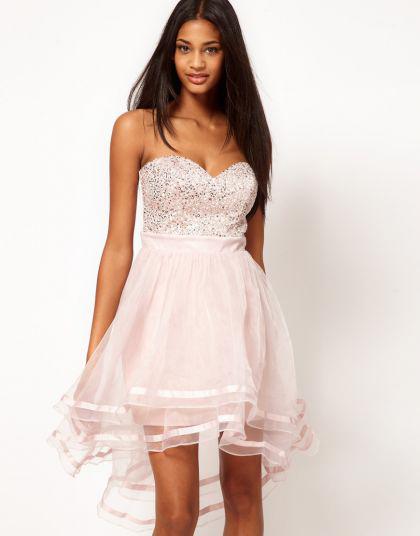 Розовое платье на новый год