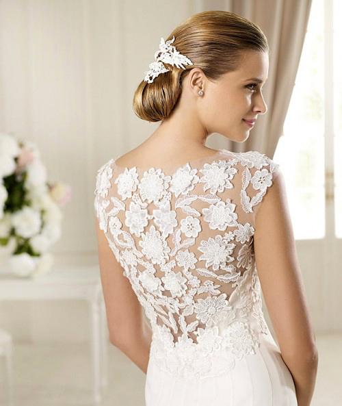 Фото сексуальных свадебных платьев c кружевами от Manuel Mota «Galveston»