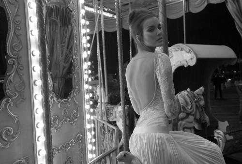 Фото сексуальных свадебных платьев c кружевами от Inbal Dror