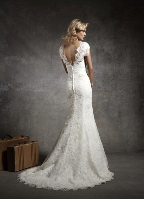 Фото сексуальных свадебных платьев c кружевами от Justin Alexander 8628