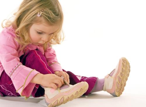 Покупать обувь с ребенком