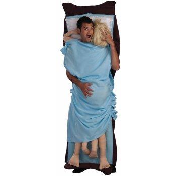 Забавный костюм в спальне